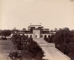 Sikandra. Akbar's Tomb. General view of tomb from the parapet of main entrance to the garden